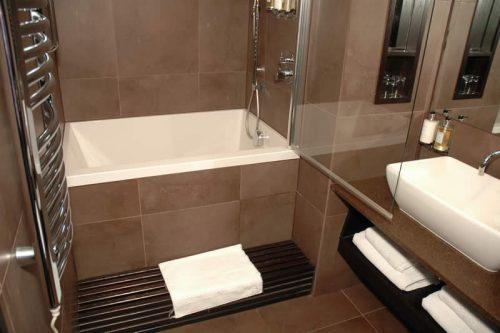 calyx-japanese-style-soaking-tub-hotel - Design and Form