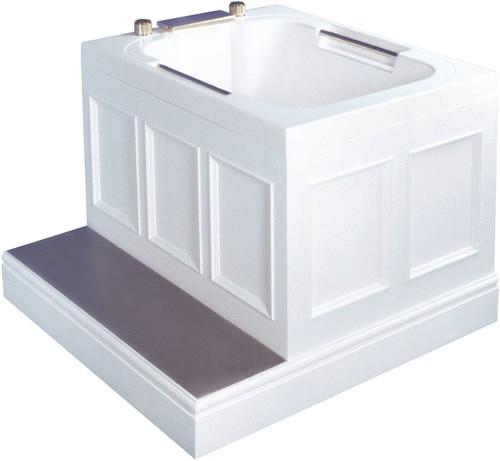 The Imersa deep soaking tub.