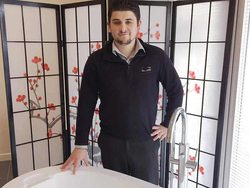 \Jordan Petts in the Cabuchon bath showroom